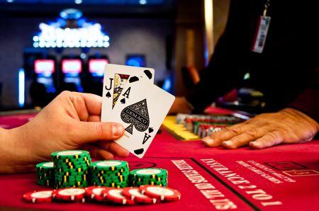 Gambling Online at Top Slot Site